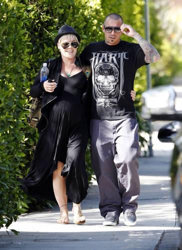 розовый & Carey going for afternoon walk - April 14, 2011