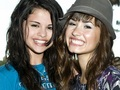 Selena&Demi Wallpaper ❤ - selena-gomez-and-demi-lovato wallpaper