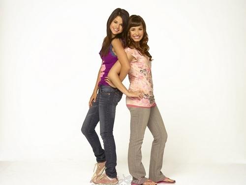 Selena&Demi karatasi la kupamba ukuta ❤