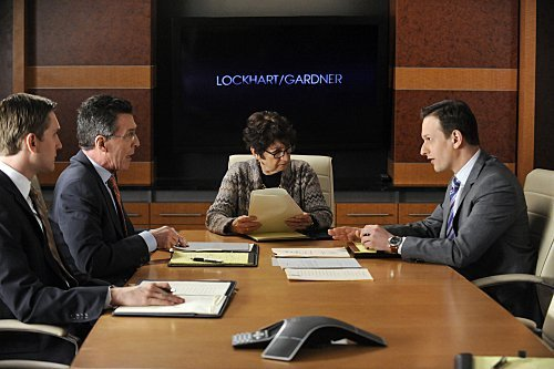The Good Wife - Episode 2.21 - In Sickness - Promotional фото