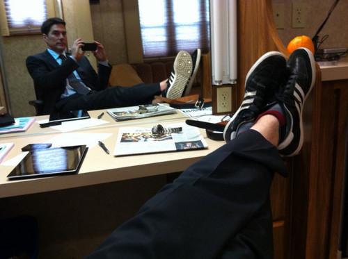 Tweet the Feet