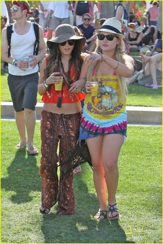Vanessa Hudgens: Coachella with Josh Hutcherson!