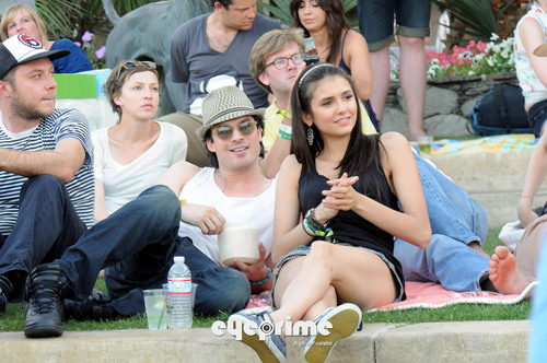 Ian Somerhalder and Nina Dobrev wallpaper possibly containing an ice lolly entitled nian