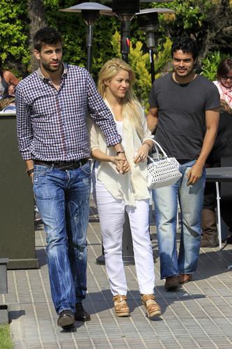 Shakira piqué 1 an anniversary