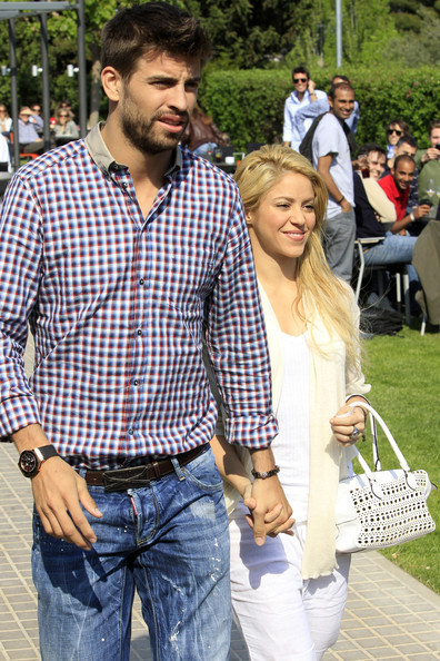 shakira piqué 1 year anniversary - Shakira and Gerard ...