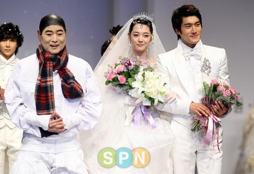 siwon and sulli (Andre kim fashion show)