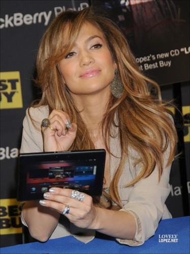 Jennifer - Best Buy BlackBerry PlayBook Launch - 19 April 2011