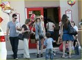 LeAnn Rimes & Eddie Cibrian: Chuck E. Cheese Birthday Party!