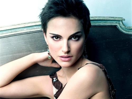 Natalie Portman wallpaper containing skin titled Natalie Portman