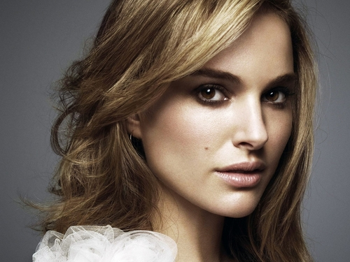 Natalie Portman wallpaper with a portrait entitled Natalie Portman