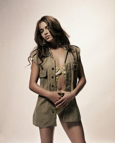 Nikki Reed wallpaper possibly with a hip boot titled Nikki Reed
