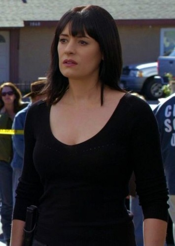 Paget Brewster پیپر وال probably containing tights, a hip boot, and a legging entitled Paget as Emily Prentiss