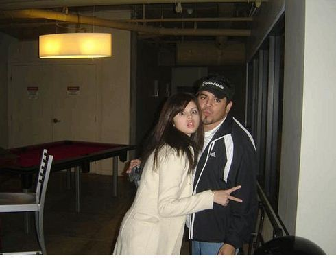 Selena Gomez  on Selena Gomez With Her Dad   Selena Gomez Photo  21178777    Fanpop