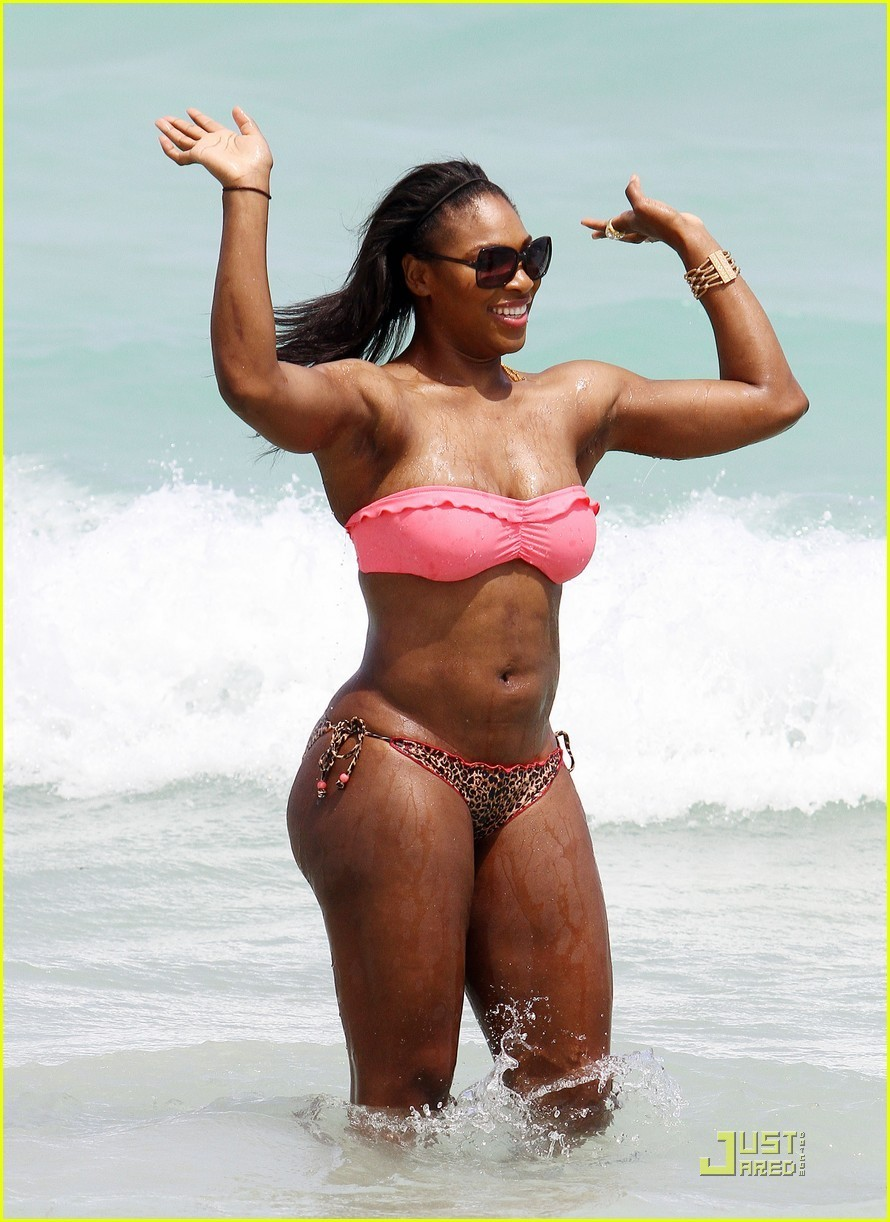 Serena Williams: Bikini strand Body!