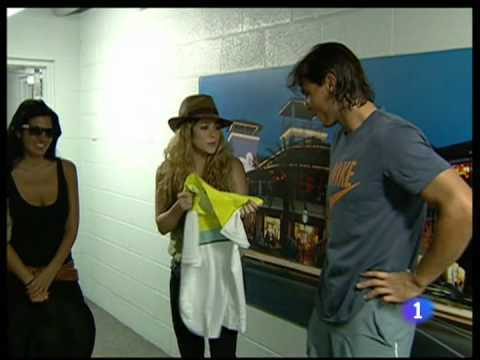 Shakira a dit Rafa: Your chemise is too big to me !!