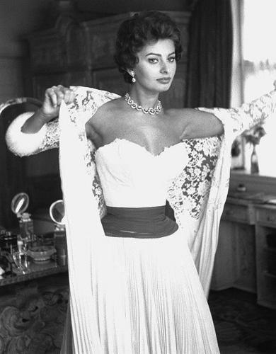 Sophia Loren wallpaper possibly with a bouquet, a cocktail dress, and a mantilla entitled Sophia Loren