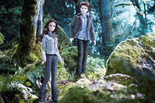 edward-cullen-and-bella- swan-forever- seventeen-barbies