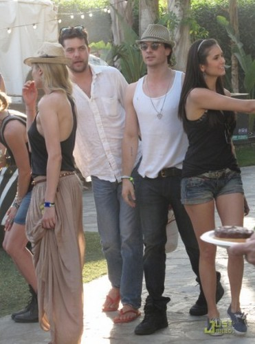 Damon&Elena and Ian&Nina Hintergrund entitled nina+ian at the 2011 Coachella