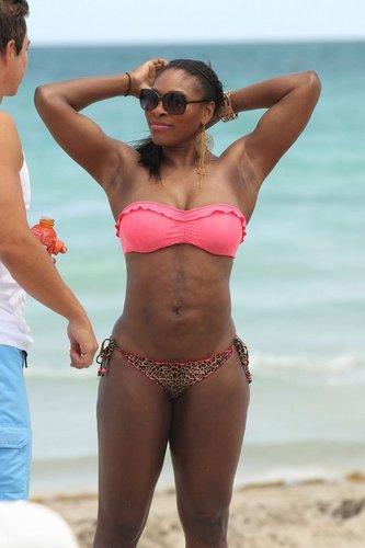 serena breast 2011 - tennis Photo
