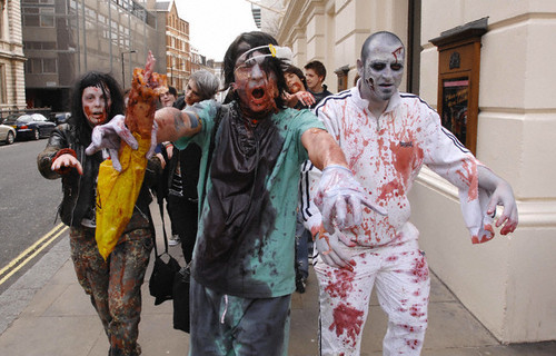Zombies wallpaper entitled uk -london zombie