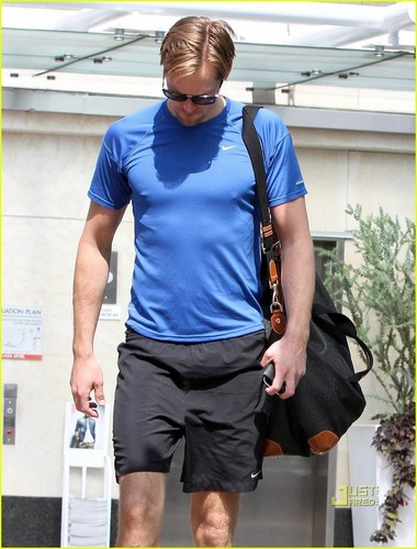Alexander Skarsgard: Post Coachella Workout!