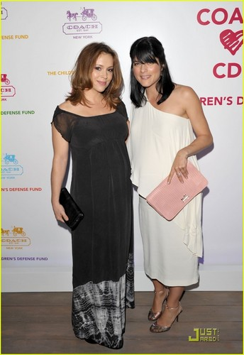 Alyssa Milano & Selma Blair: Pregnant Pals