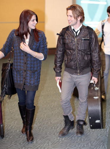 Ashley Greene And Jackson Rathbone Arriving In Vancouver