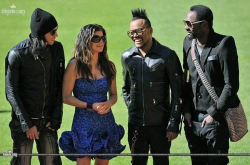 Black Eyed Peas Hintergrund titled Black Eyed Peas - World Cup 2010 South Africa Kick-Off
