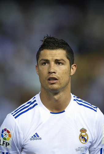 C. Ronaldo (Real Madrid - Barcelona, Copa del Rey Final)