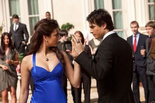Damon and Elena dancing in the episode 1x19 Miss Mystic Falls