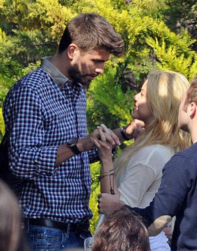 Gerard Piqué कहा Shakira: Will आप marry me?
