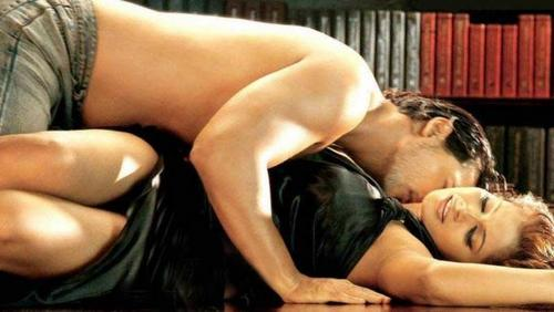 JISM -- john abraham -bipasha basu - bollywood Screencap
