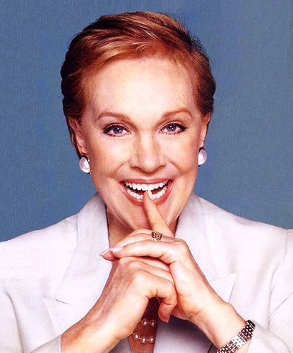 Julie Andrews hình nền titled Julie Andrews