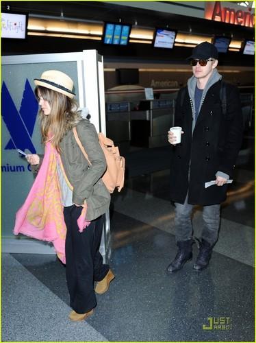 Rachel Bilson & Hayden Christensen: Birthday Vacation!