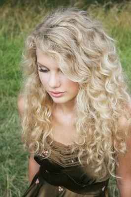 Taylor - Gorgeous Photoshoots