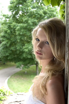 Taylor - Gorgeous Photoshoots