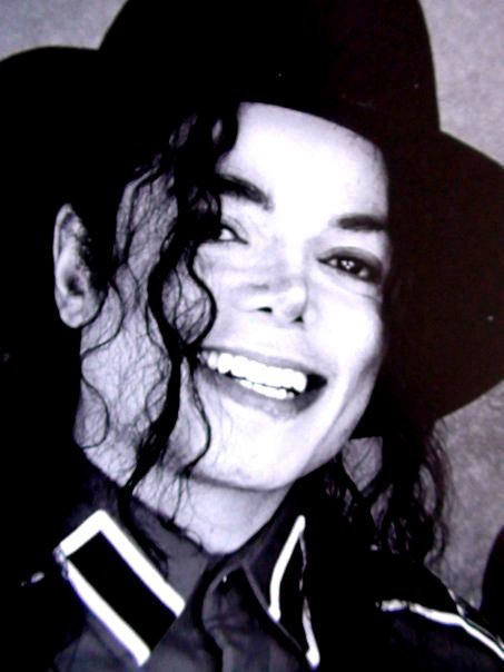 - -Your-SMILE-Makes-My-Heart-Skip-A-Beat-michael-jackson-21385007-453-604