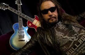 baciare Guitarists wallpaper probably with a guitarist and a concerto called Ace Frehley