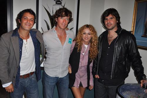 Alejandro Sanz, Paulina Rubio and husband Colate, and Antonio de la Rua in the Bacardi suite.