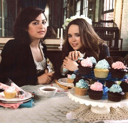 Alia Shawkat & Ellen Page