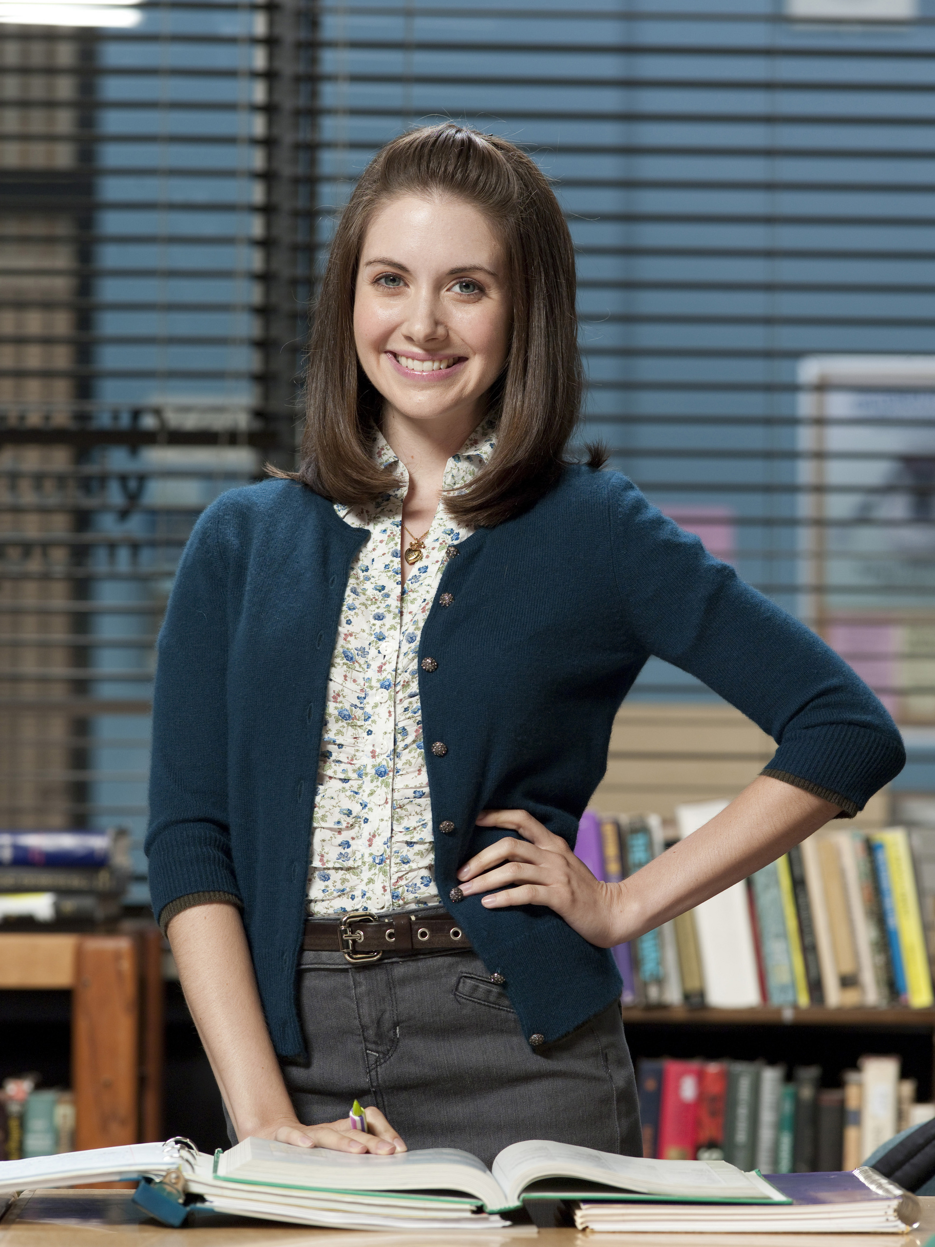 Alison brie community 04 annie039s christmas song 9