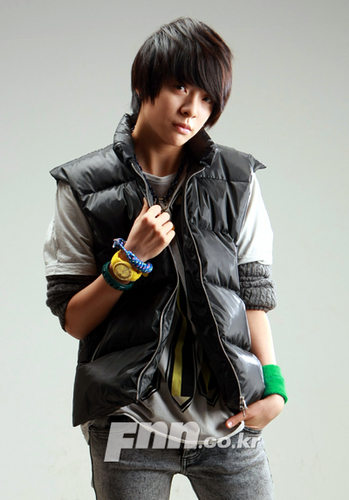 F(x) wallpaper with an outerwear and a well dressed person entitled Amber