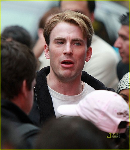 Chris Evans: Filming in Times Square with Samuel L. Jackson!