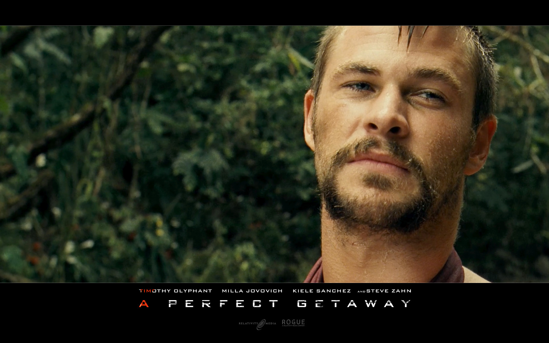 Chris Hemsworth Chris in A Perfect Getaway