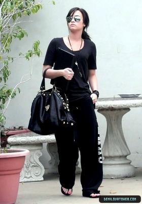 Demi Lovato Candid!