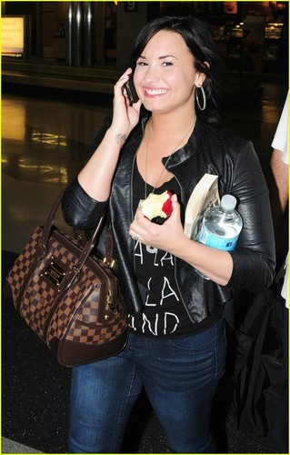 Demi Lovato: Chicago For The Weekend