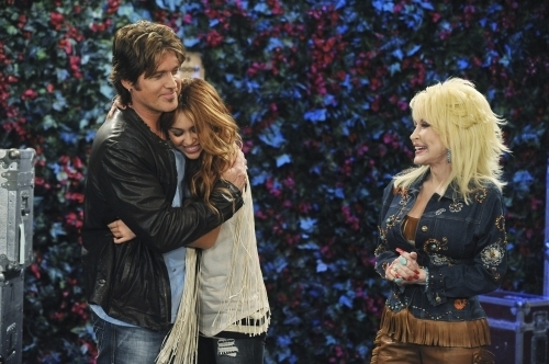 Hannah Montana Season 4 Promotional Photoshot From キッス It All Goodbye