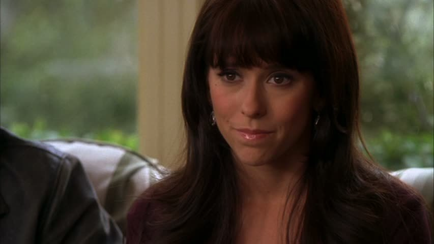 http://images4.fanpop.com/image/photos/21300000/JLH-in-Ghost-Whisperer-1x08-On-the-Wings-of-a-Dove-jennifer-love-hewitt-21366566-853-480.jpg