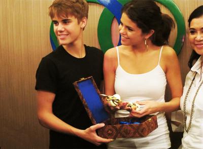 Justin&Selena in Malasia