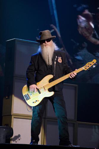 Live in Newcastle, Australia 04/19/2011